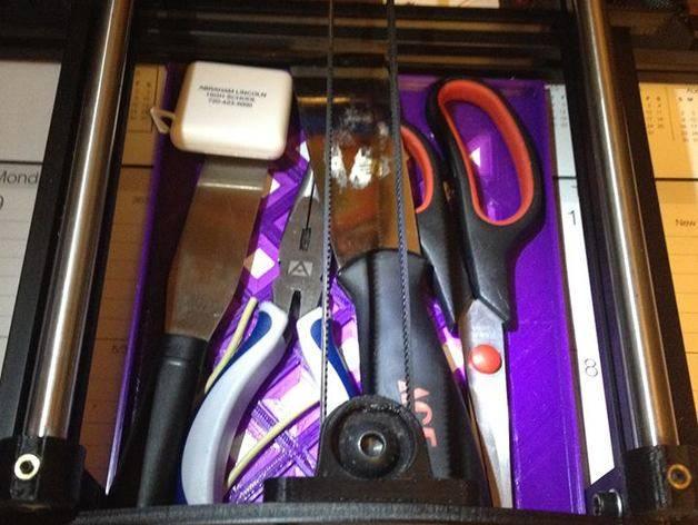 Taz 5 y-arm tool tray