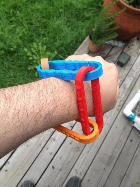 tactile chain for sensory feedback