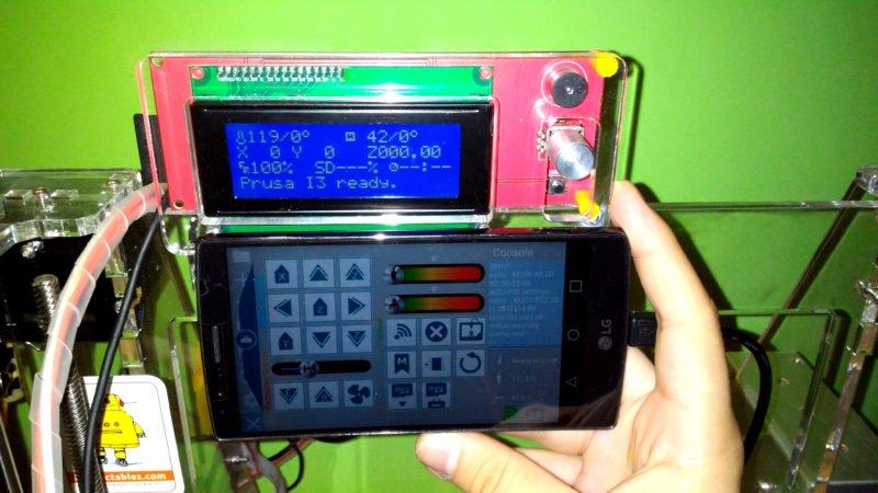 Smartphone controlling Prusa i3