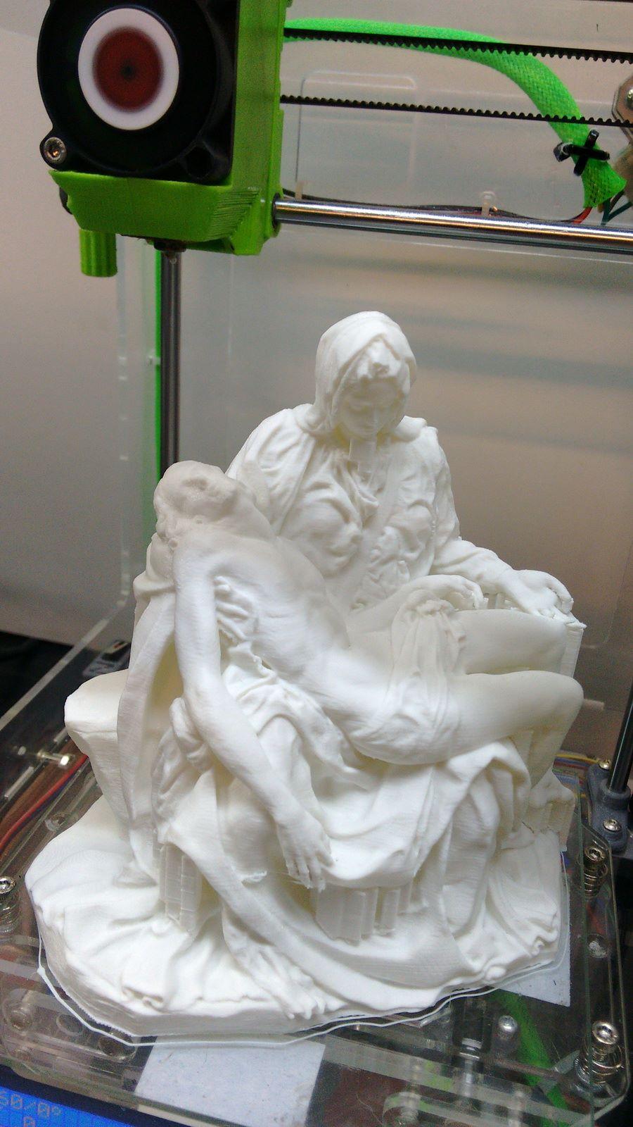 Minibot Pieta