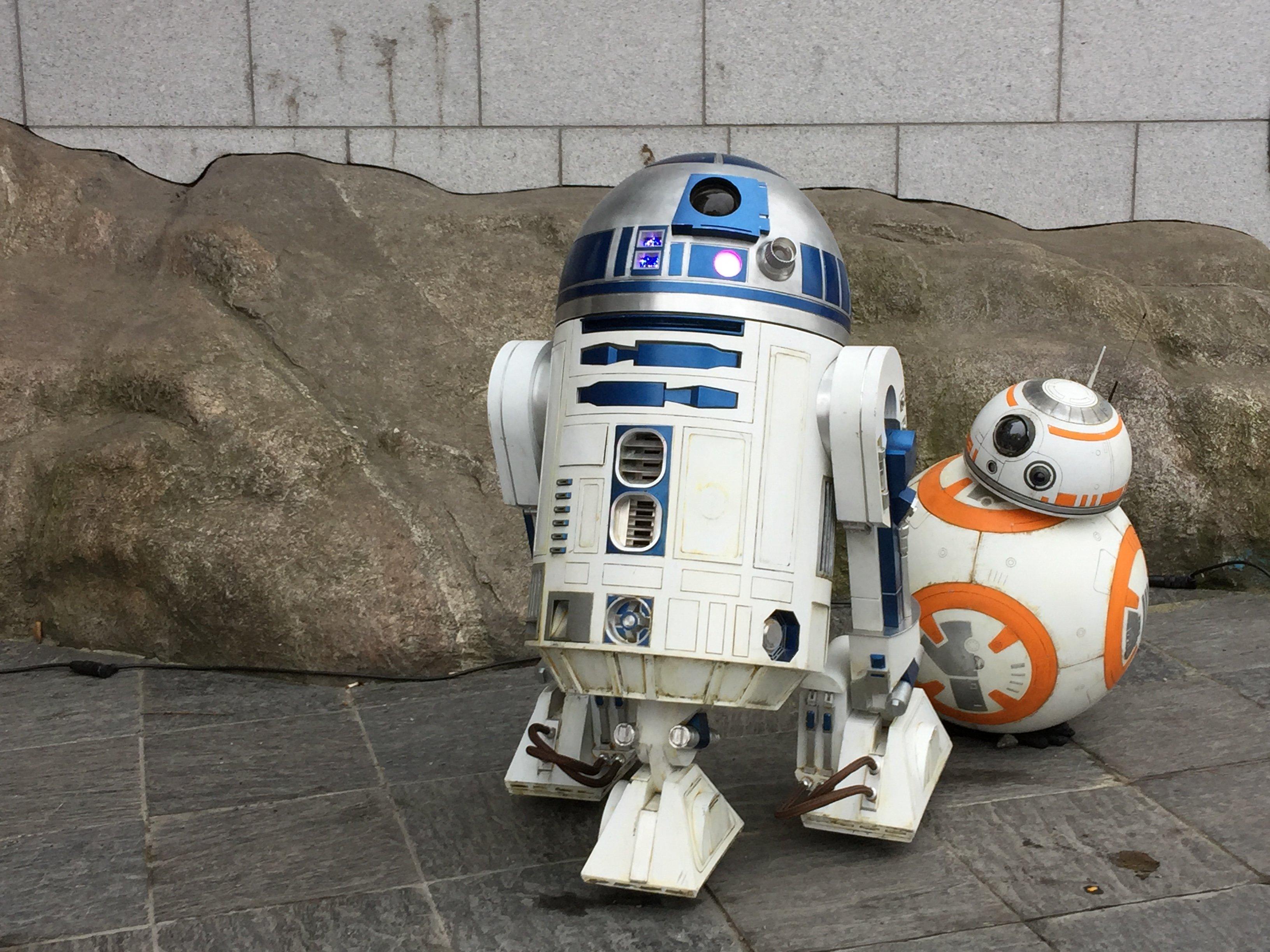 R2-D2 BB-8