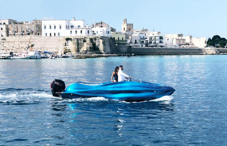 Mambo, the world's first 3D printed fiberglass boat